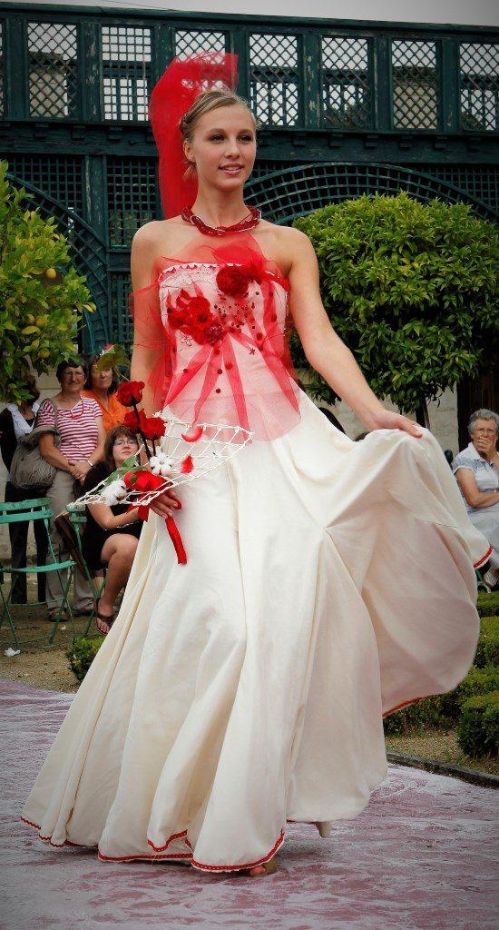 mariée-volume-rouge-recyclée