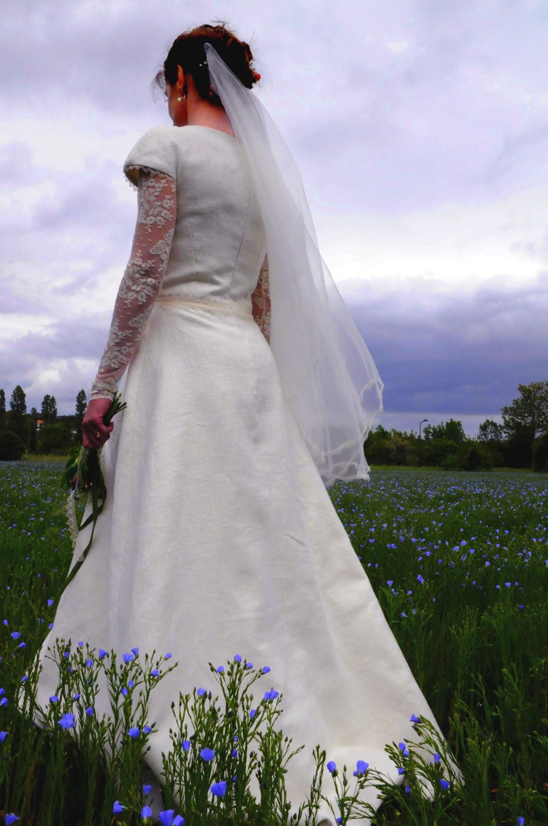 robe emplie de douceur tissu texturé forme très simple